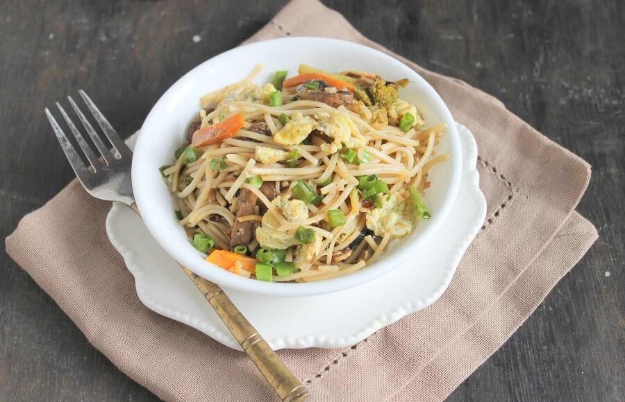 Egg Hakka Noodles Recipe: The Indo-China Recipe